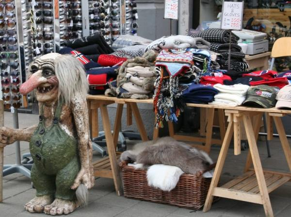 oslo troll and shopping